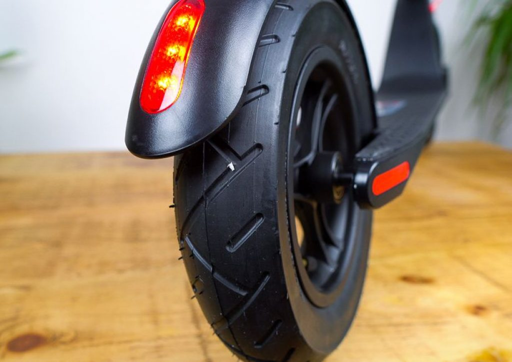 A picture of the rear tyre of the Turboant X7 Pro electric scooter